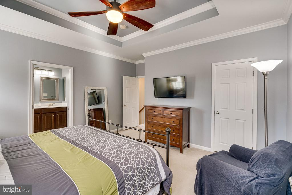 Primary bedroom - 42965 EDGEWATER ST, CHANTILLY