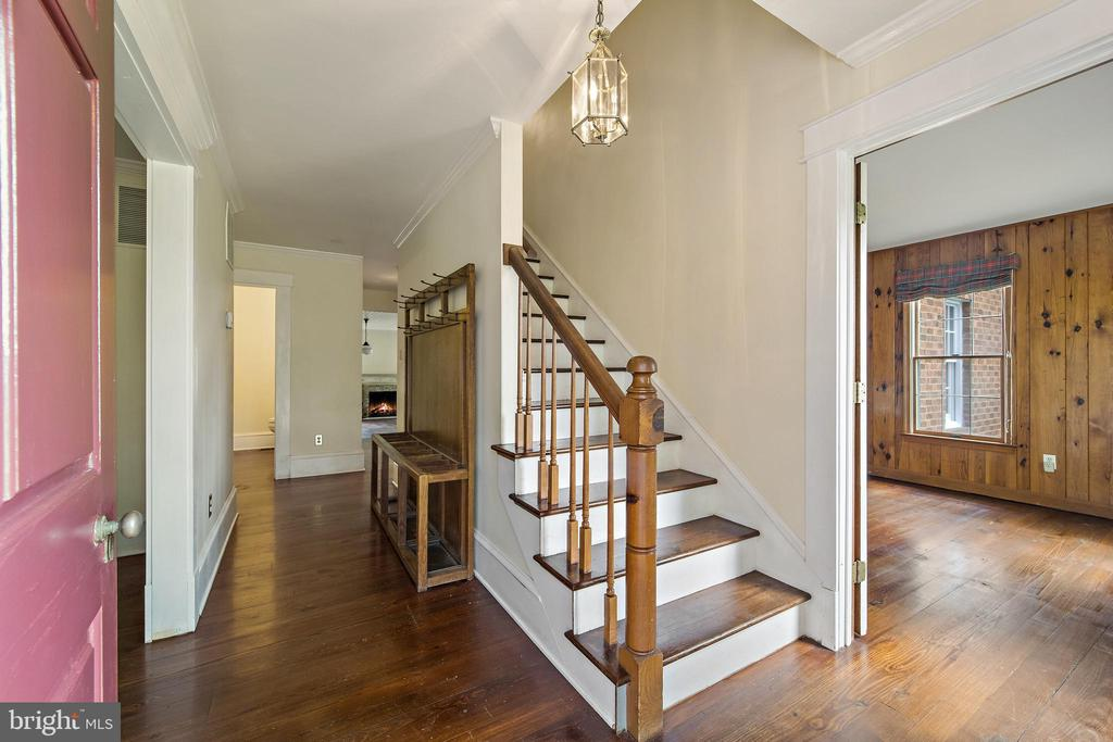 front foyer - 20707 ST LOUIS RD, PURCELLVILLE