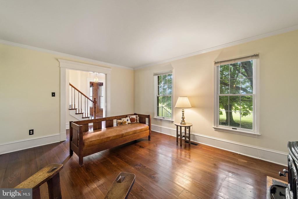 living room off the foyer - 20707 ST LOUIS RD, PURCELLVILLE