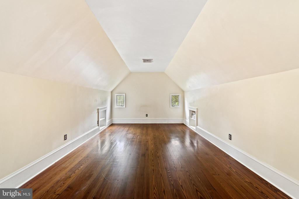 second floor primary bedroom - 20707 ST LOUIS RD, PURCELLVILLE