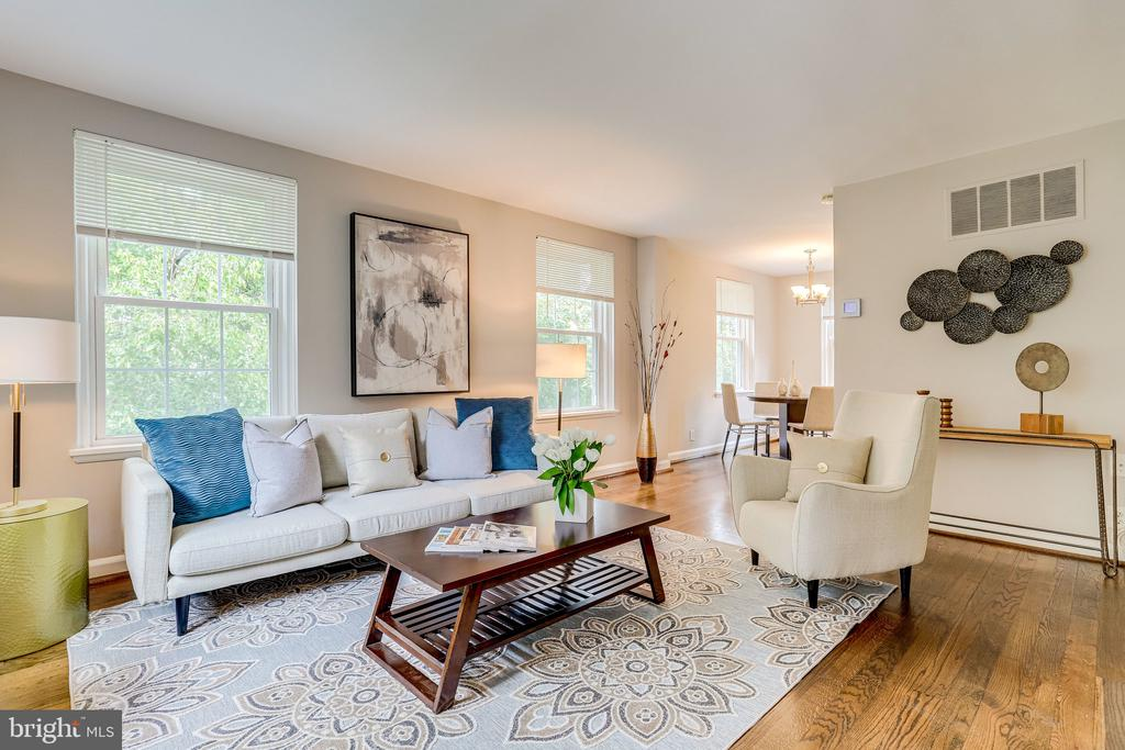 Spacious Living Room - 3304 S WAKEFIELD ST #B, ARLINGTON