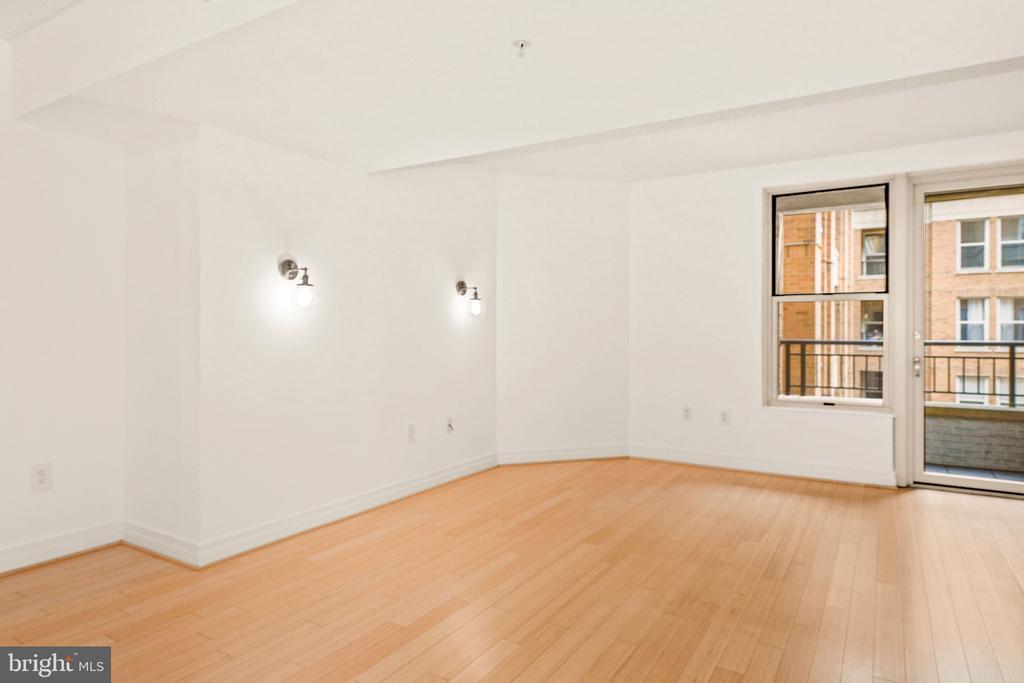 Living Room View 3 - 915 E ST NW #914, WASHINGTON