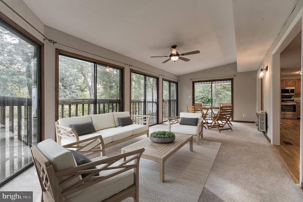 Large sunroom with floor to ceiling windows - 1227 AQUIA DR, STAFFORD