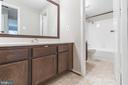 Upper level bathroom - 1227 AQUIA DR, STAFFORD