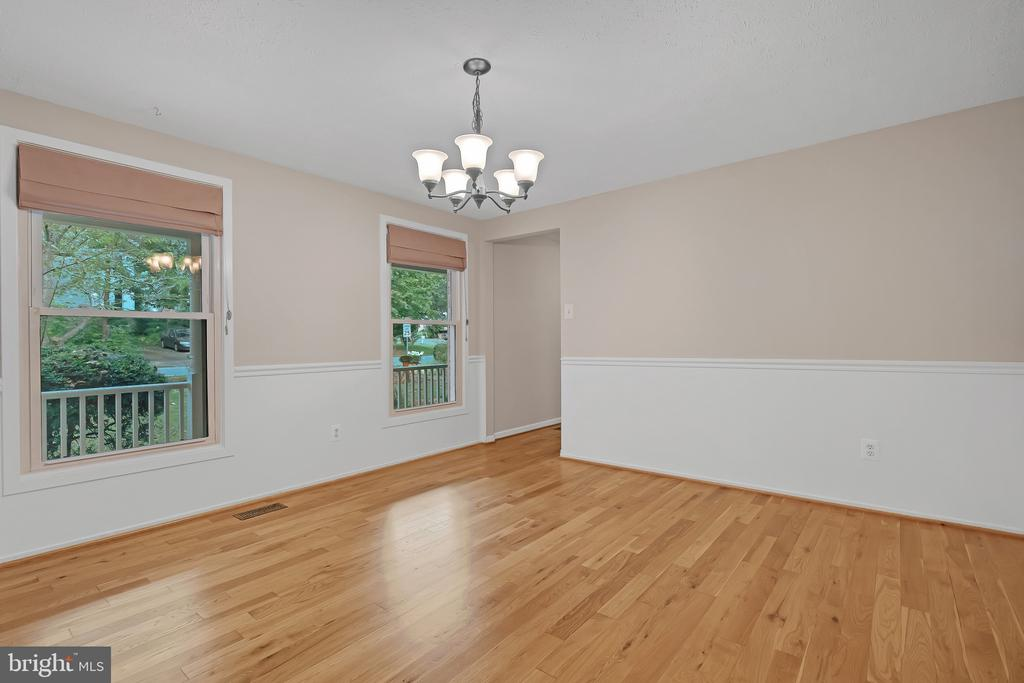 Bring you large dining table for this space - 1227 AQUIA DR, STAFFORD