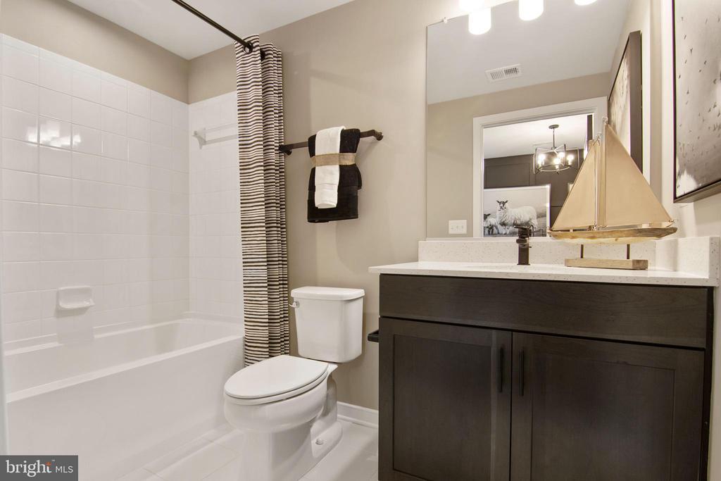 Bathroom - 200 BARNWELL DR, STAFFORD