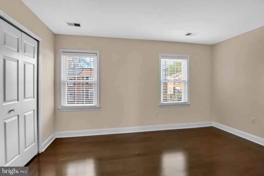 3rd level bedroom #1 - 6831 WASHINGTON BLVD #D, ARLINGTON