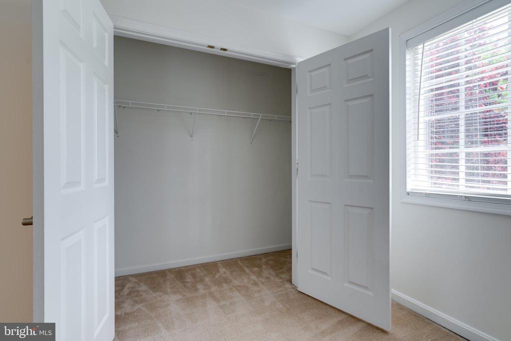 Bedroom one closet - 1435 N VAN DORN ST #B, ALEXANDRIA