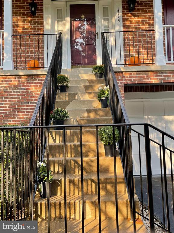 Front steps - 15355 BALD EAGLE LN, WOODBRIDGE