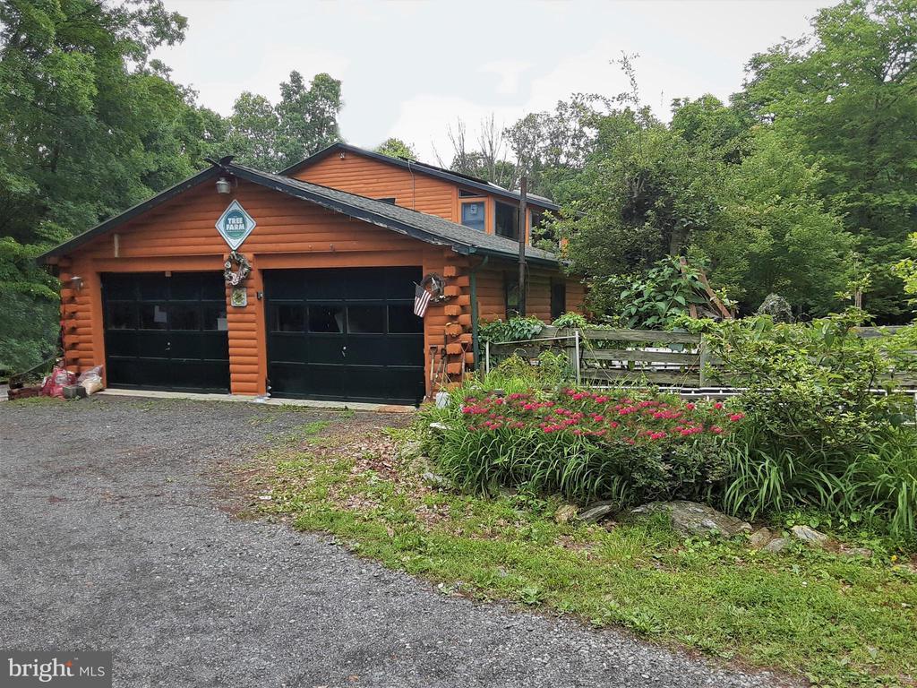 TWO Car garage, FLOWER GARDEN GALORE - 12101 FOUNTAIN DR, CLARKSBURG