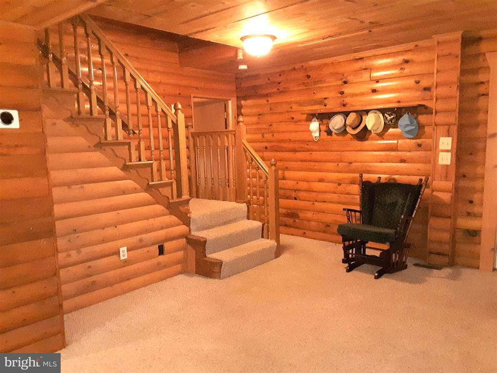 STAIRCASE - TO UPSATIRS from living room - 12101 FOUNTAIN DR, CLARKSBURG