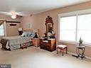SPACIOUS MAIN BEDROOM - Access to SUNROOM - knook - 12101 FOUNTAIN DR, CLARKSBURG