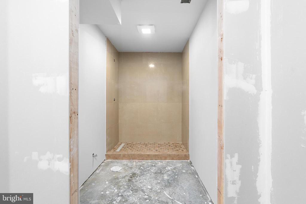 Bathroom will be completed prior to closing! - 10903 STOCKADE DR, SPOTSYLVANIA