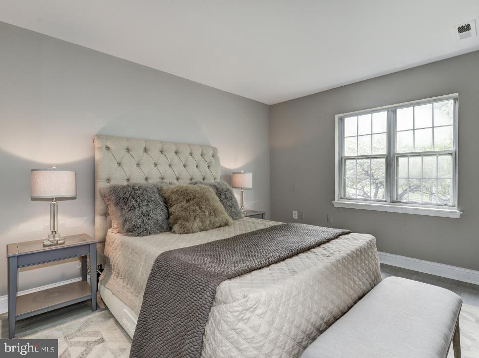 Bedroom with natural lighting - 3817 PORTER ST NW #132, WASHINGTON