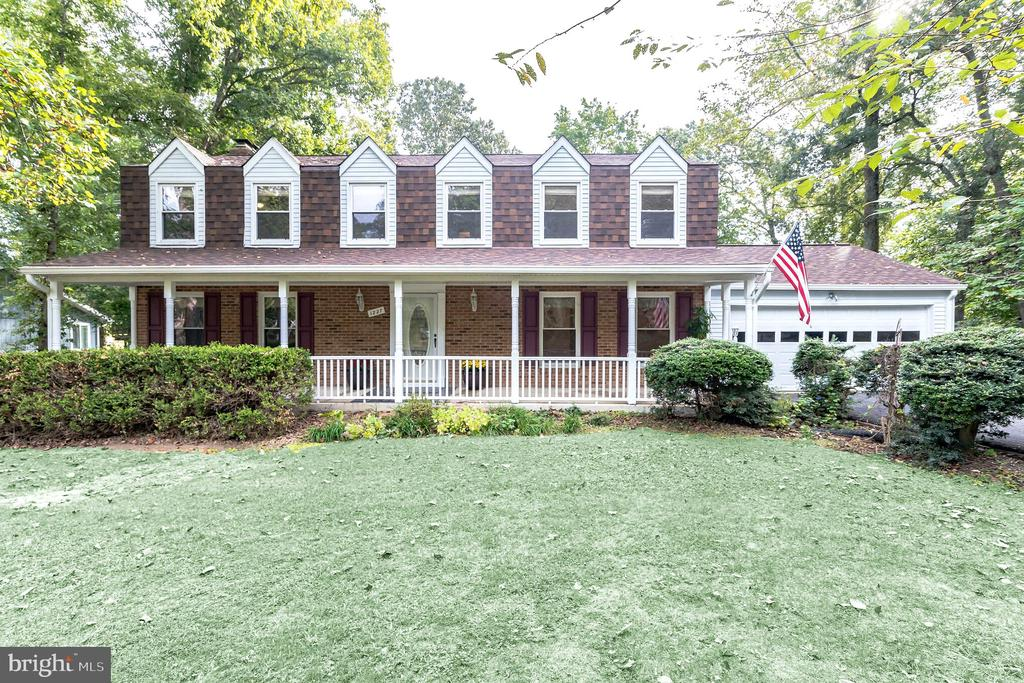 Beautiful home just two minute from front gate - 1227 AQUIA DR, STAFFORD