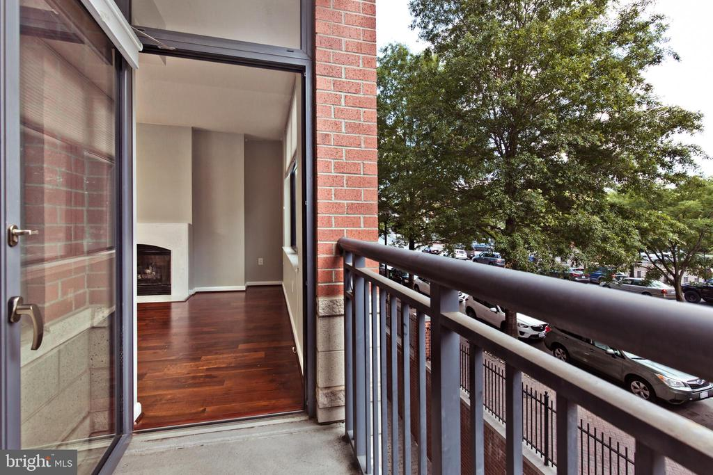 Private Balcony - 1021 N GARFIELD ST #242, ARLINGTON