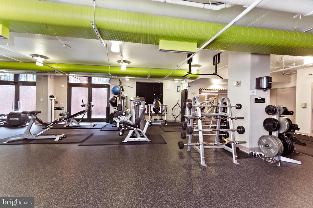 Community Fitness Center - 1021 N GARFIELD ST #242, ARLINGTON