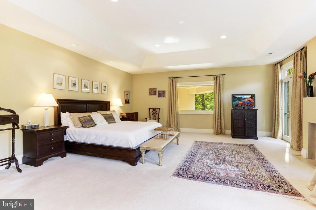 Beautiful master suite with exceptional views, FP - 1342 POTOMAC SCHOOL RD, MCLEAN