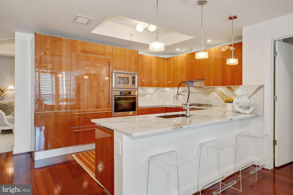 Absolutely Stunning & Gorgeously Appointed Kitchen - 1881 N NASH ST #307, ARLINGTON