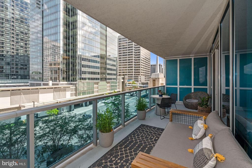 Perfect Balcony for Relaxing or Entertaining! - 1881 N NASH ST #307, ARLINGTON