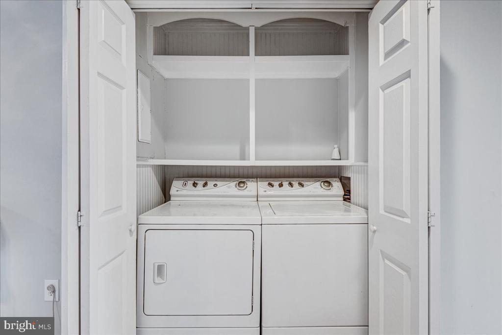 Washer dryer off kitchen. - 222 AUSTIN, STAFFORD