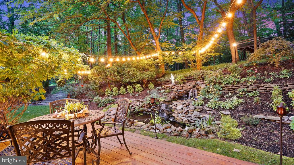 Gorgeous Waterfall for Remantic Evenings - 1515 STUART RD, RESTON