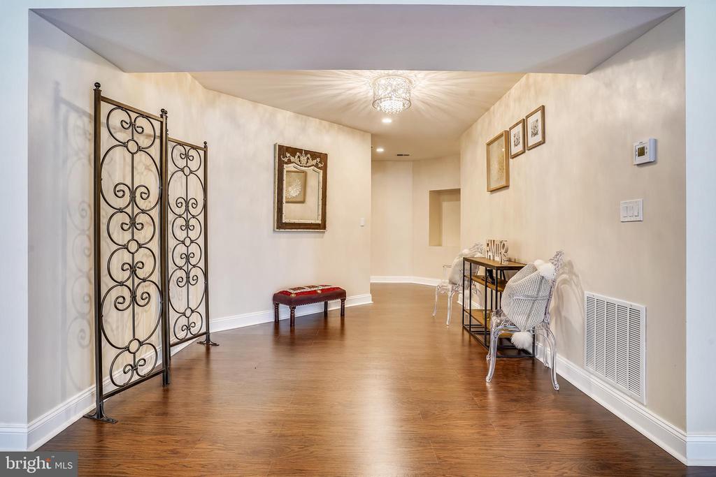 Lower Level Foyer - 2539 DONNS WAY, OAKTON