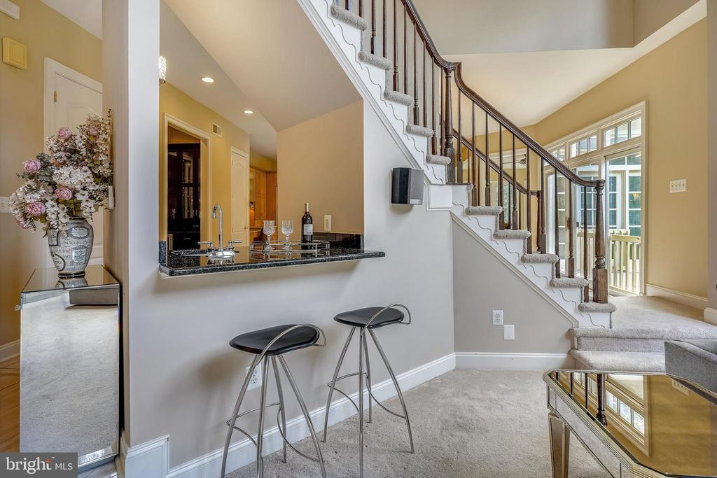 Great Room Features a Wet Bar - 2539 DONNS WAY, OAKTON