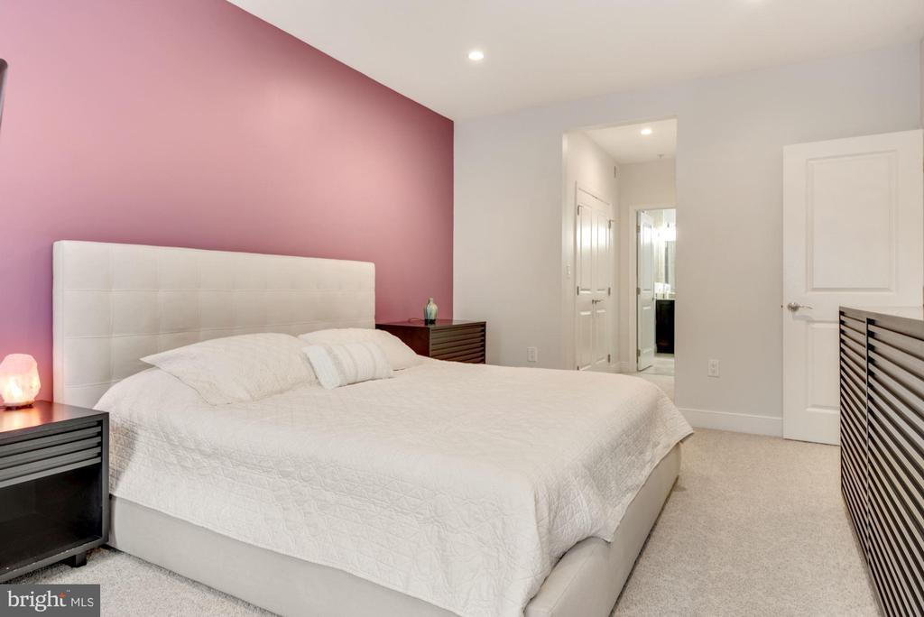 Primary Bedroom - 1418 N RHODES ST #B116, ARLINGTON