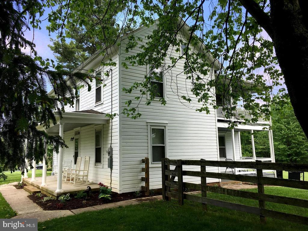 Charming colonial farmhouse - 12823 BRICE RD, THURMONT