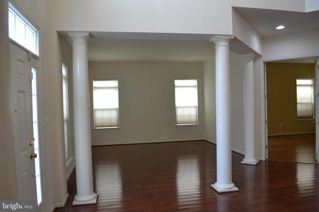 Foyer and Formal siting - 24104 STONE SPRINGS BLVD, STERLING