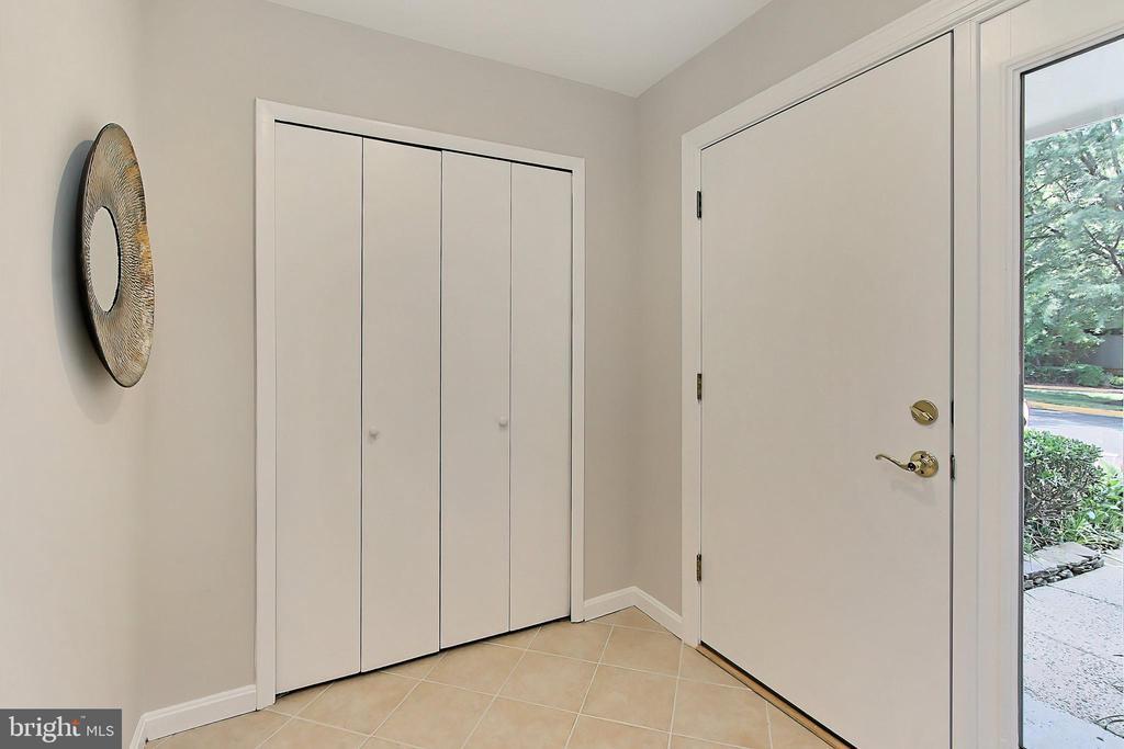 A new door invites you in! - 2045 WETHERSFIELD CT, RESTON