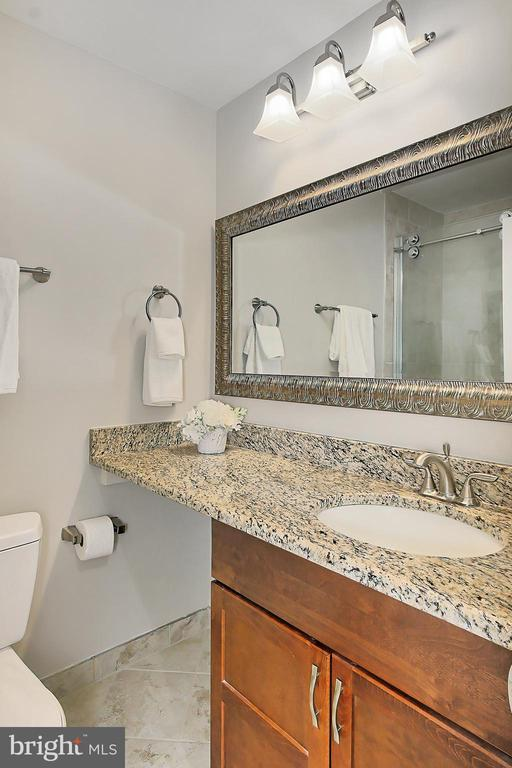 Updated primary bathroom - 2045 WETHERSFIELD CT, RESTON