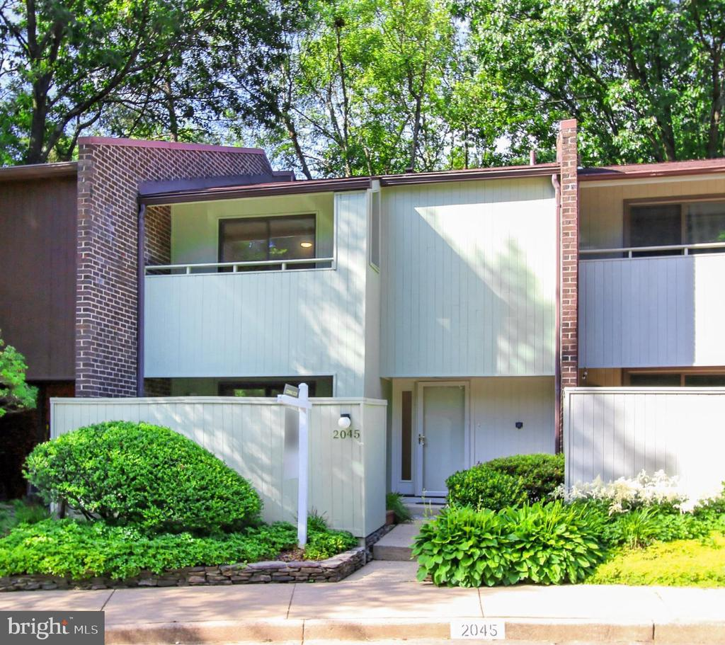 Welcome to 2045 Wethersfield Ct! - 2045 WETHERSFIELD CT, RESTON