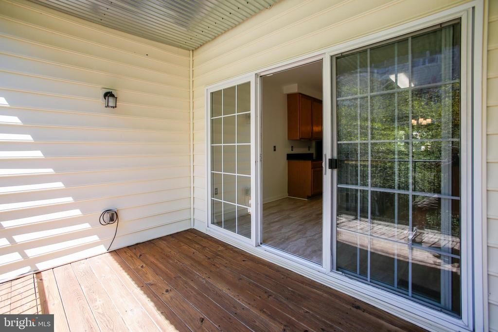 Covered Deck for Relaxing and Entertaining - 1597 LEEDS CASTLE DR #101, VIENNA
