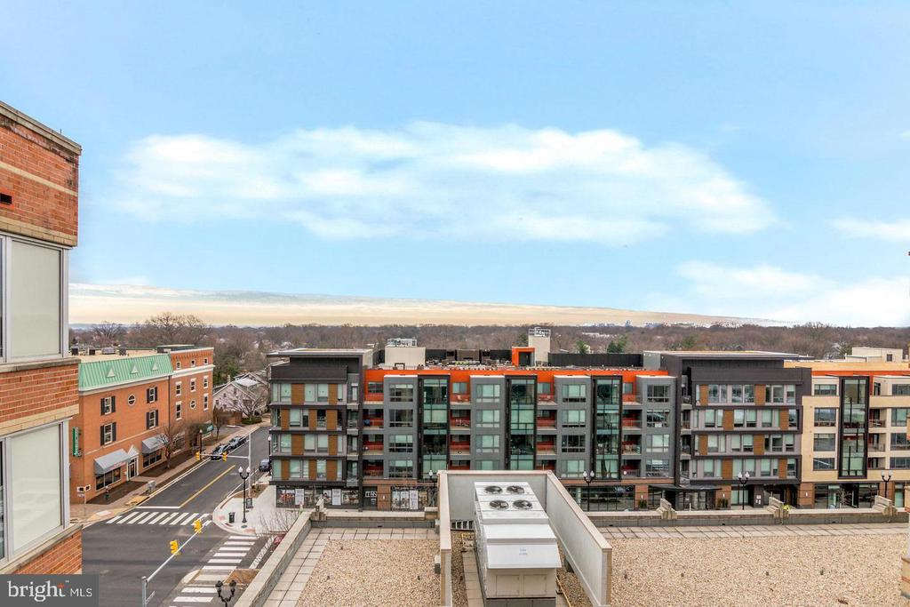 View from unit balcony - 1020 N HIGHLAND ST #804, ARLINGTON