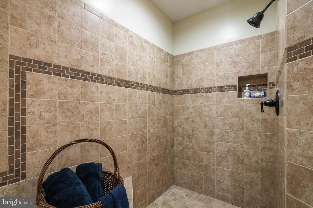 Primary Bath Separate Shower - 5363 SATTERFIELD DR, WOODBRIDGE