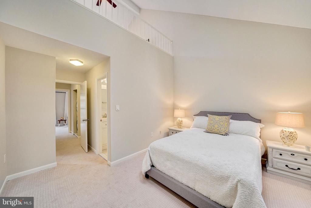 new carpet and paint equals move in ready - 4427 7TH ST N, ARLINGTON