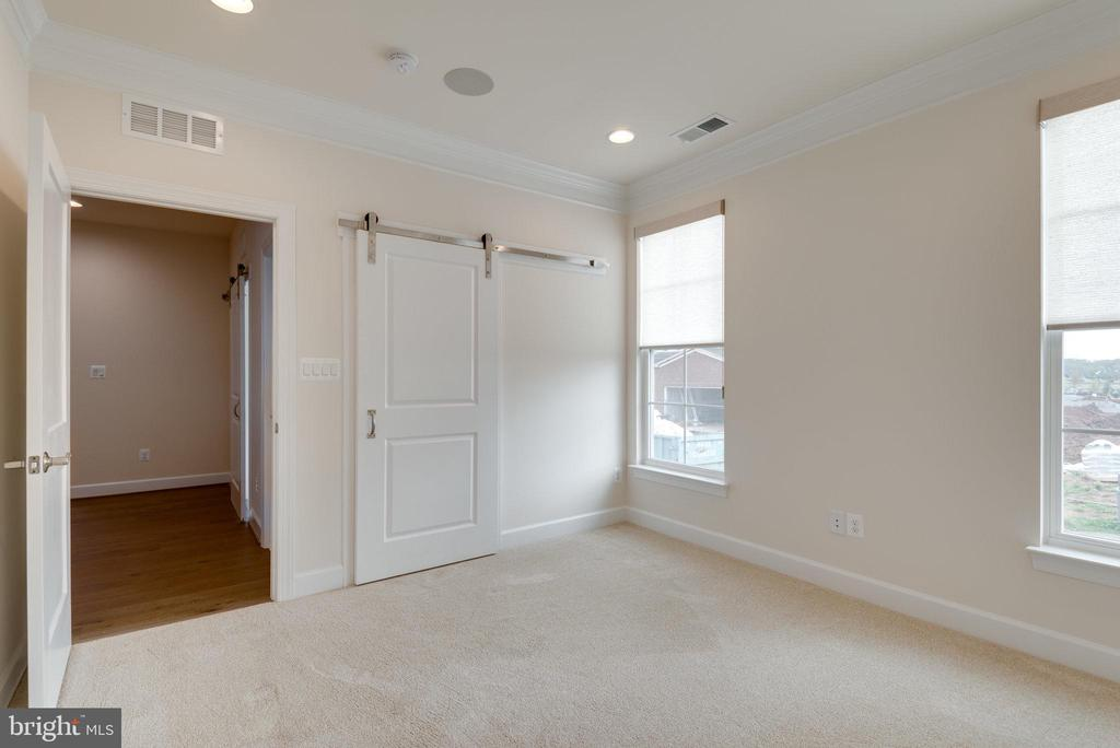 Extra recessed lighting in the 2nd bedroom. - 42758 AUTUMN DAY TERRACE, ASHBURN