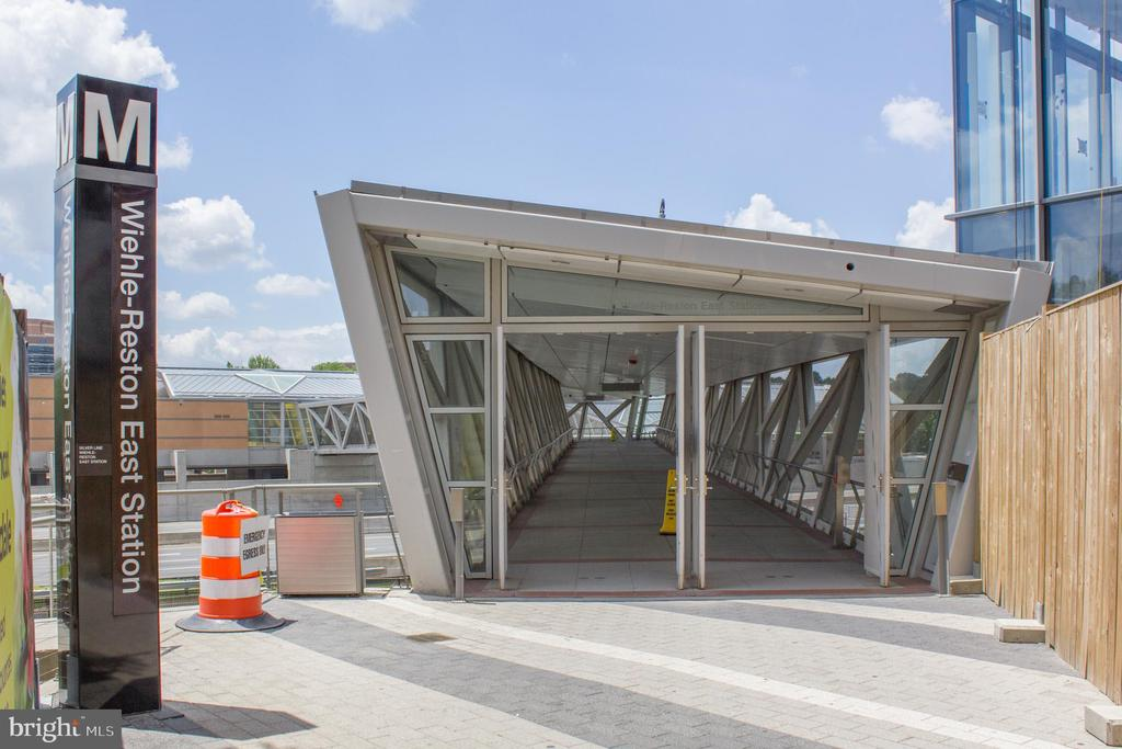 Metro - 11990 MARKET ST #215, RESTON