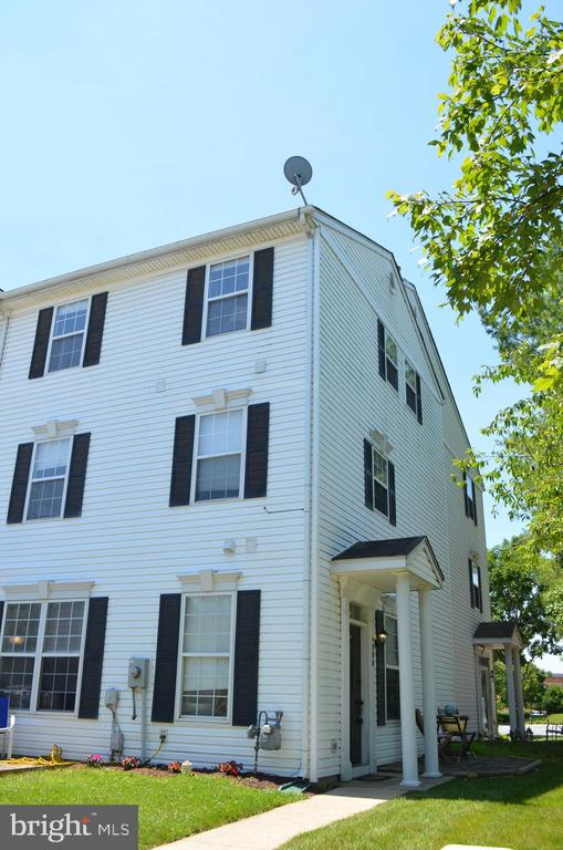 End unit back-to-back townhome - 4900 EDGEWARE TER, FREDERICK