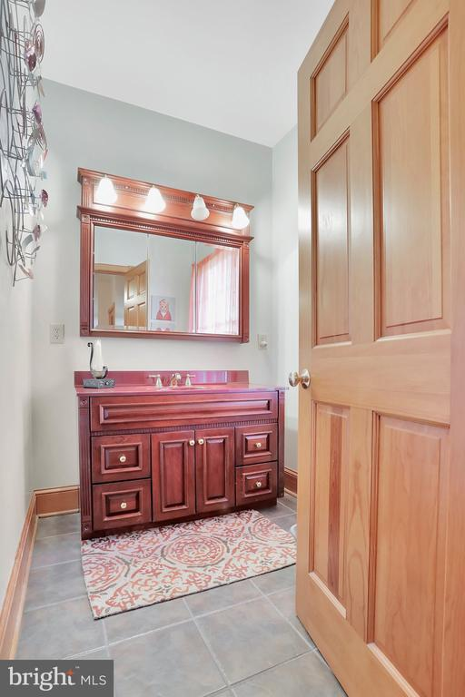 Half bath for guest - 5201 RELIANCE, MIDDLETOWN