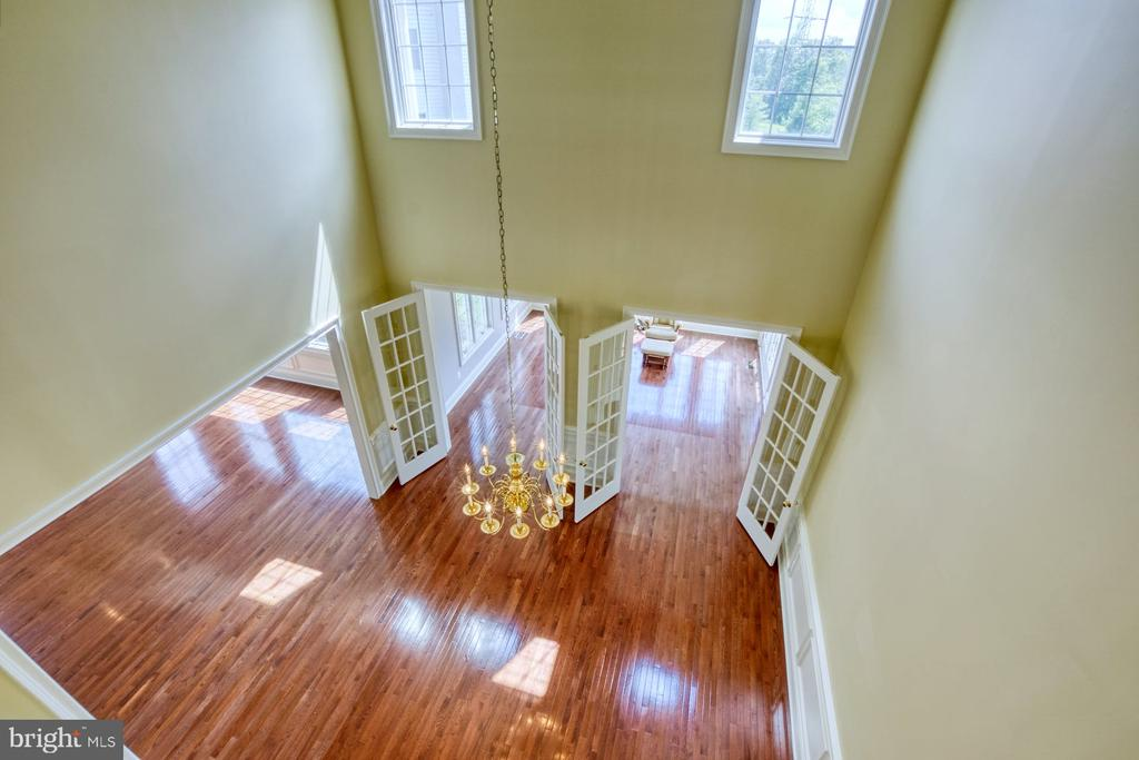 ROOM WITH A VIEW! - 20003 BELMONT STATION DR, ASHBURN