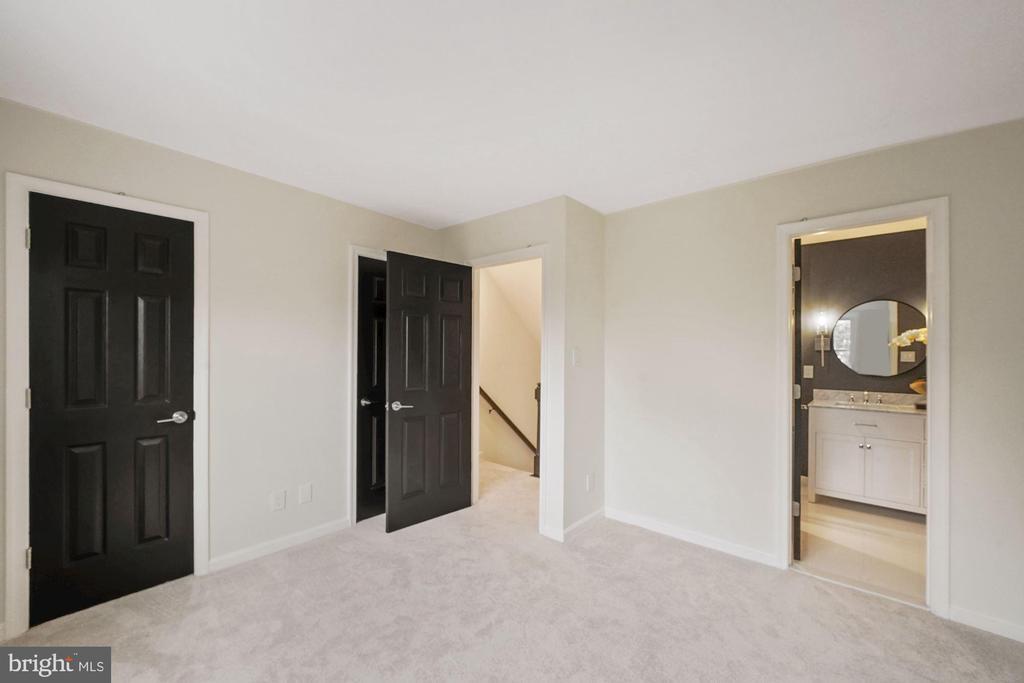 Master bedroom - 4110 WASHINGTON BLVD, ARLINGTON