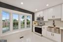 A stunning bay window for natural light - 4110 WASHINGTON BLVD, ARLINGTON