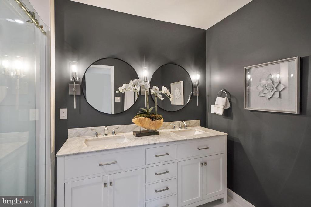 Brand new double vanity, mirrors and lights - 4110 WASHINGTON BLVD, ARLINGTON