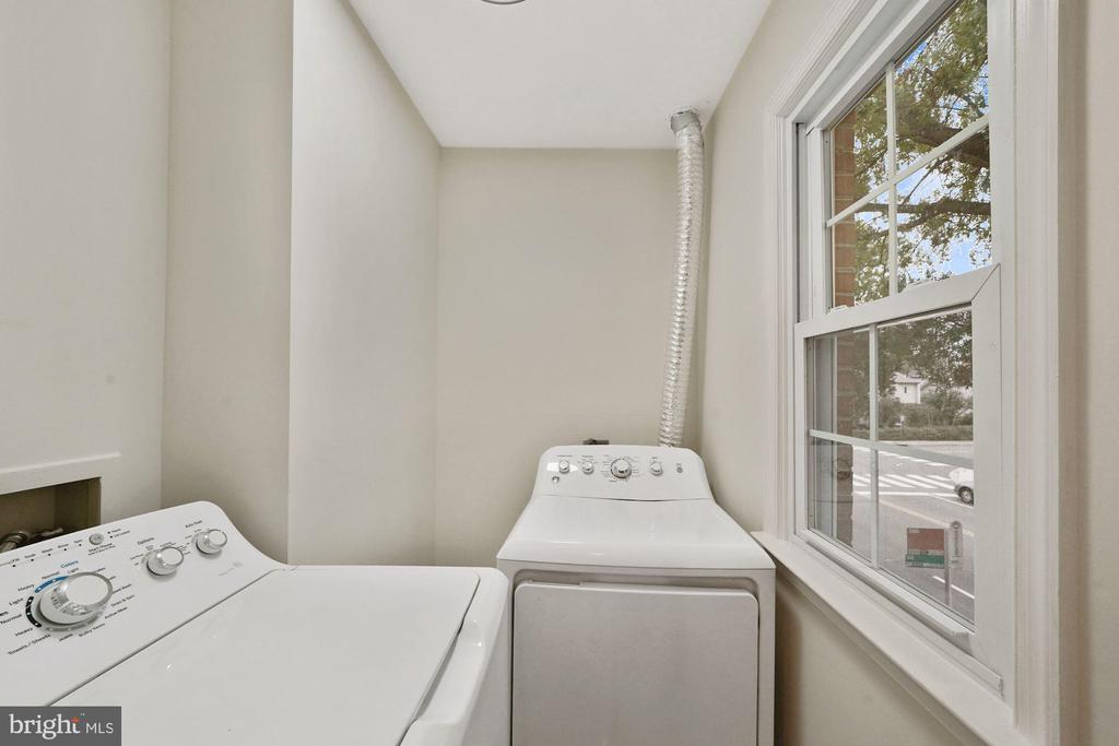 Laundry room by the kitchen - 4110 WASHINGTON BLVD, ARLINGTON