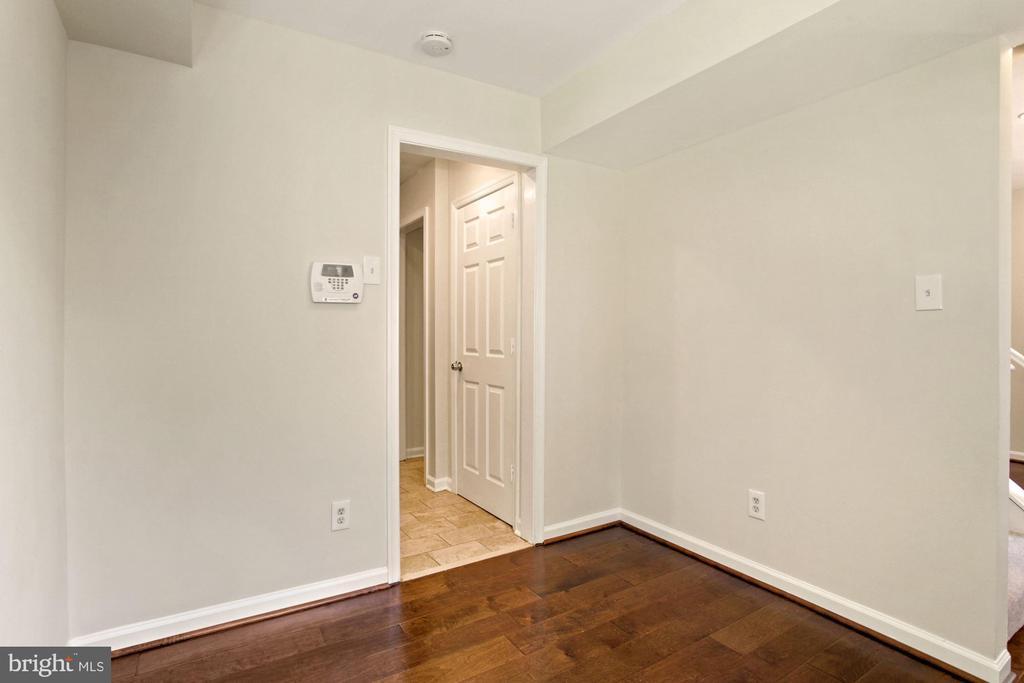 Dining room  - or study or home office - 9761 HAGEL CIR #E, LORTON