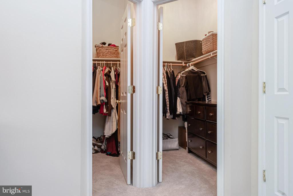 No need to share closets or organize in to two :) - 612 BURBERRY TER SE, LEESBURG