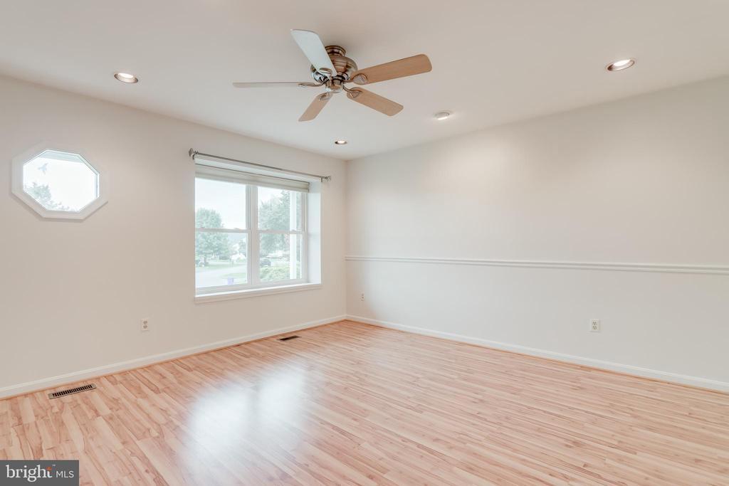 Living Room - 3332 YORKSHIRE CT, ADAMSTOWN